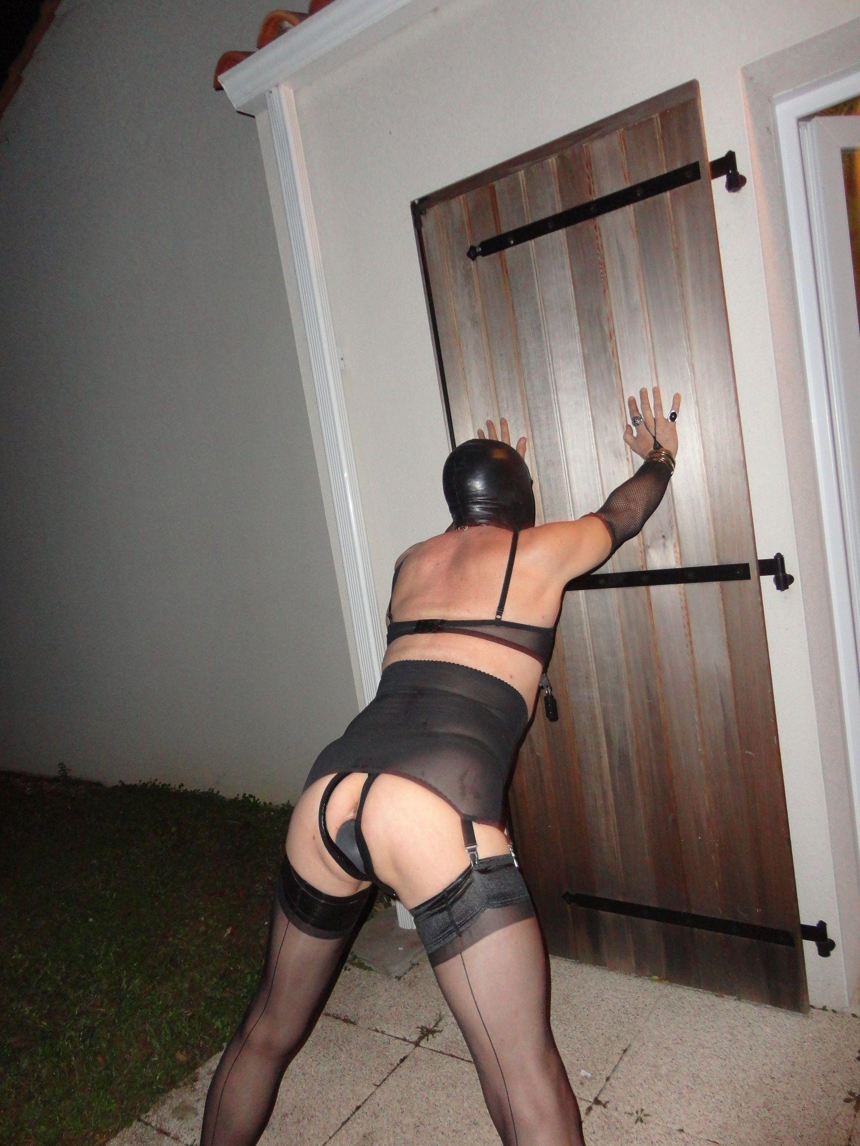 exhib lieu public esclave gay
