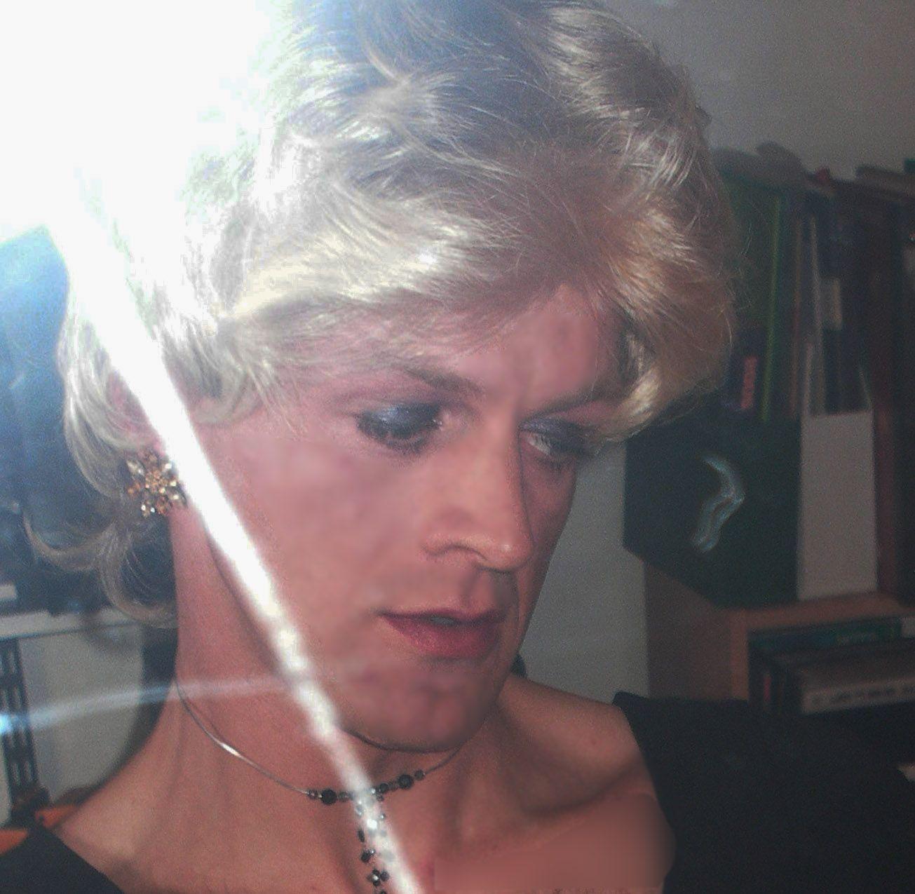 Photos de salopes, blondes, babes, bimbos - Blondesalopenet